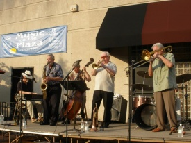 Grosse Pointe Music on the Plaza2.jpg