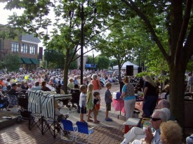 Grosse Pointe Music on the Plaza1.jpg