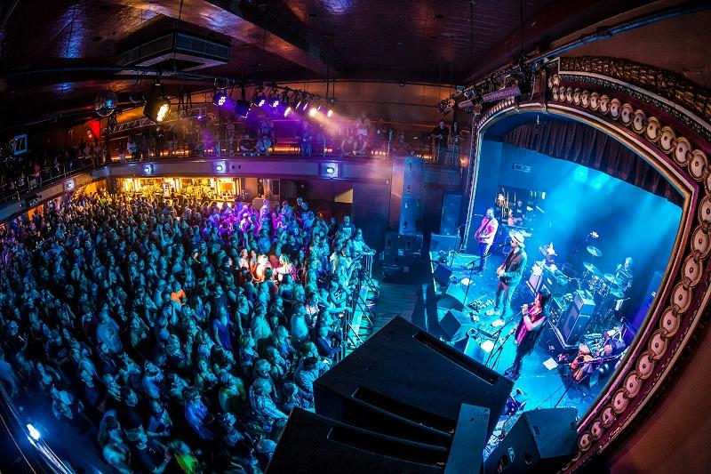 File:St Andrews Hall Inside.jpg - MusicWiki Detroit